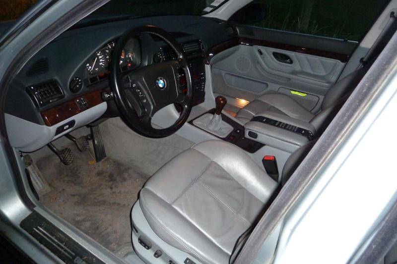 Une 730I E38 P1010936