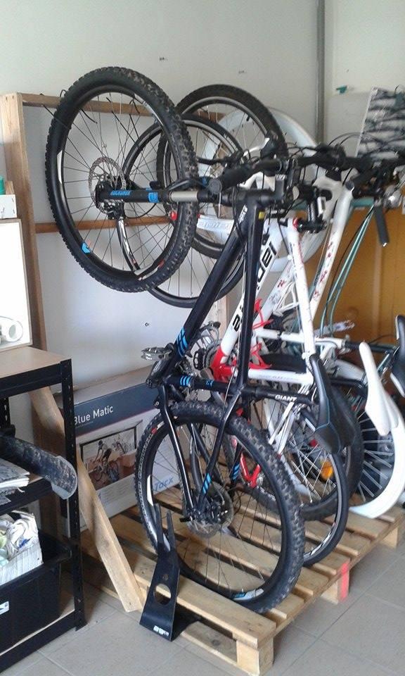 Garage à vélo 12244118