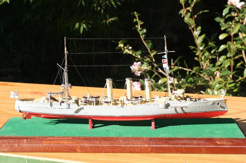 SMS Emden ( 1908) au 1/350 de Revell par Michaud Img_6311