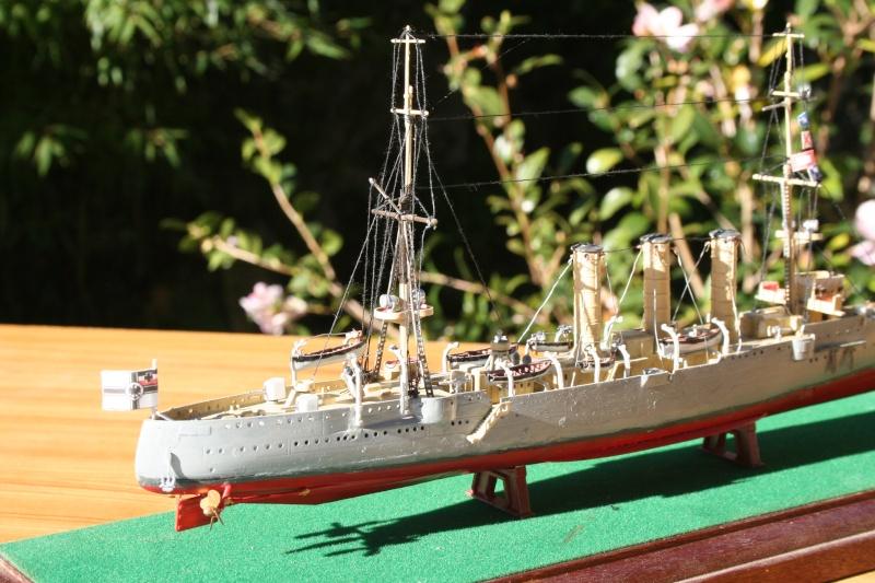 SMS Emden ( 1908) au 1/350 de Revell par Michaud Img_6312