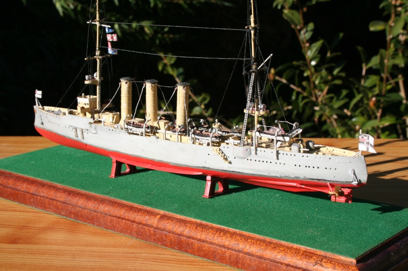 SMS Emden ( 1908) au 1/350 de Revell par Michaud Img_6313