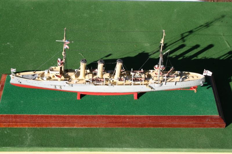 SMS Emden ( 1908) au 1/350 de Revell par Michaud Img_6314