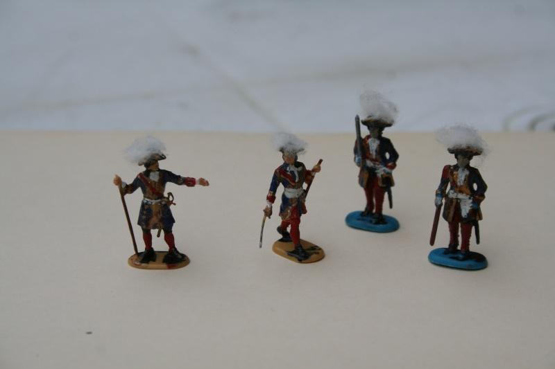 Quelques officiers d'état major et soldats de l'Ambitieux Img_6836