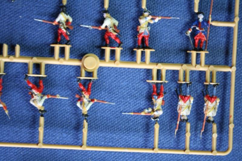Quelques officiers d'état major et soldats de l'Ambitieux Img_6839