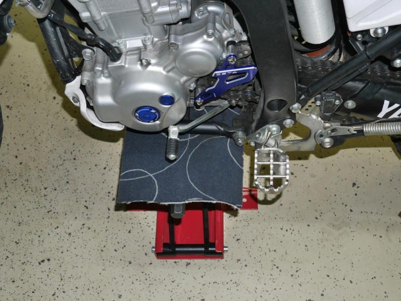 Footpegs for WR250R - Page 3 P1020210