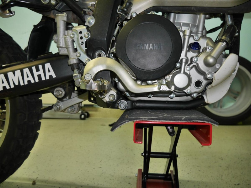 Footpegs for WR250R - Page 3 P1020216