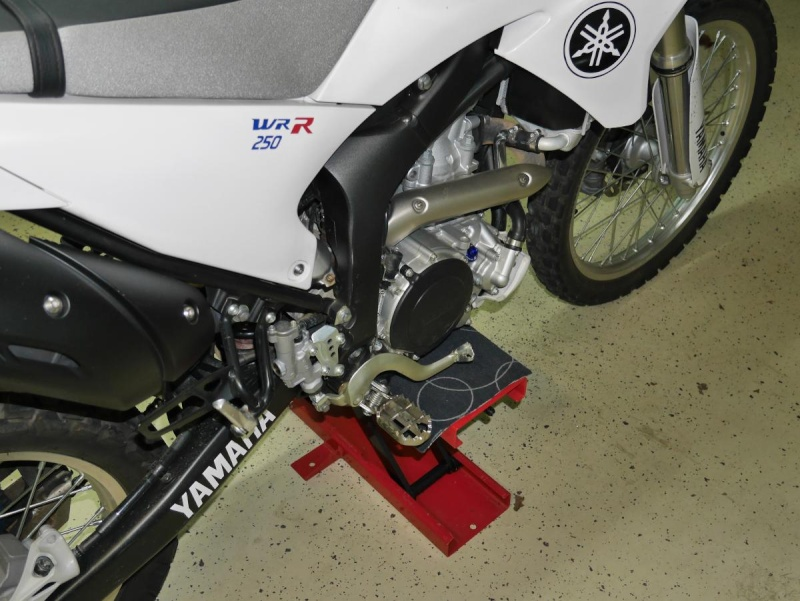 Footpegs for WR250R - Page 3 P1020221