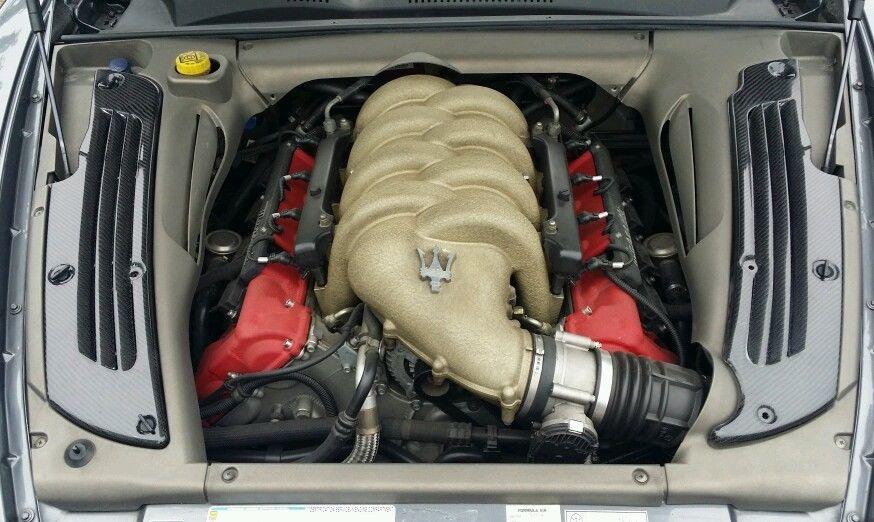 Cache moteur carbone (4200/GranSport) Carbon11