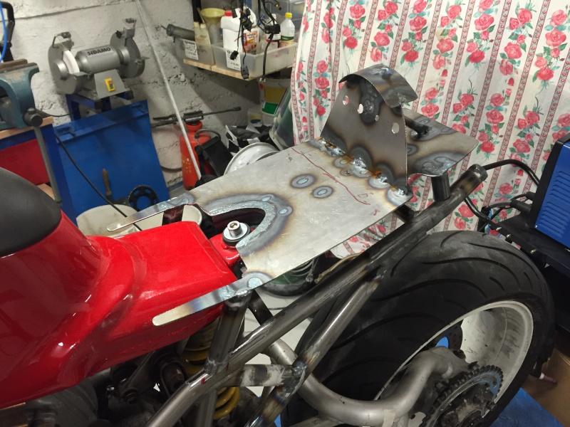 Projet ST2 / Café Racer - Page 4 Img_7315