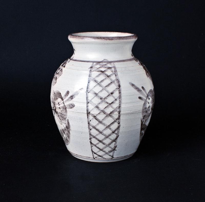 Cheddar Pottery Somerset by John & Valerie Bayly, JB mark Dsc01815