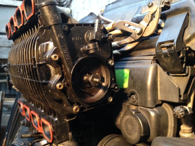 pb fumée vapeur essence compartiment moteur Bm_mot11