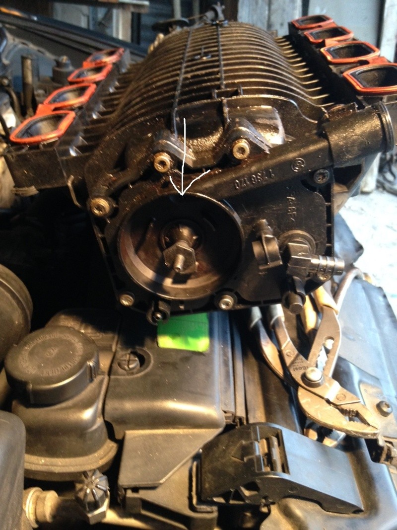 pb fumée vapeur essence compartiment moteur Bm_mot12