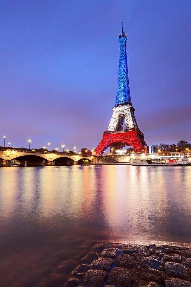 La tour Eiffel. 12227010