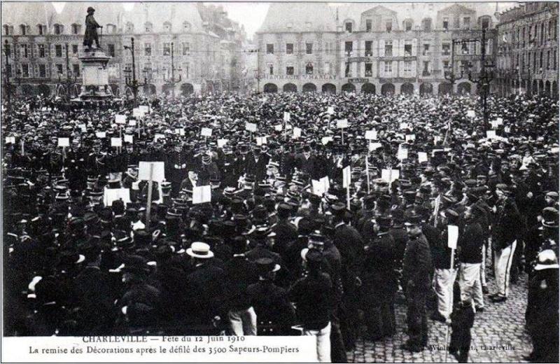 Charleville Mézières, et ses cartes postales anciennes 12308610