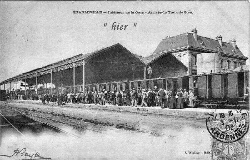 Charleville Mézières, et ses cartes postales anciennes 12313610