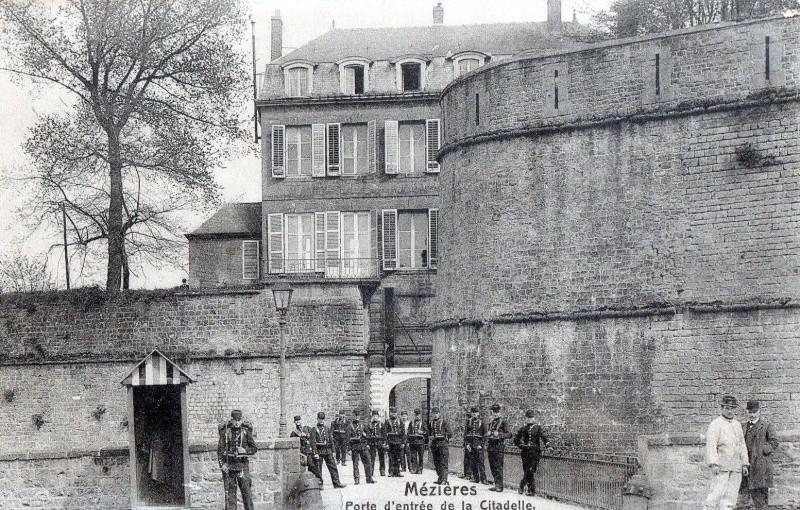 Charleville Mézières, et ses cartes postales anciennes 12485910