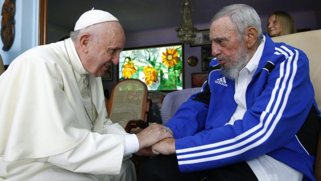 Orbanovi mediji tesko izvrjedjali papu Franju:'Glupan,antikrscanin,Soros papa' 63578410