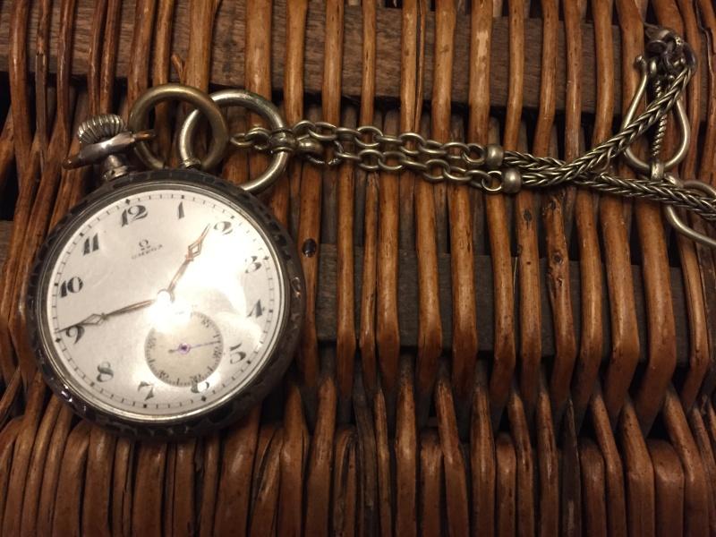 Guide richement illustré : les montres de poche courantes - Page 3 Img_2810
