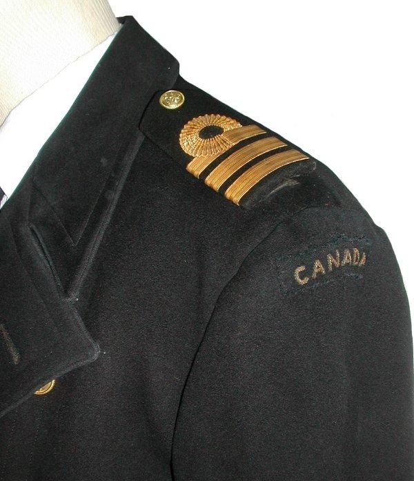 Les uniformes d'Officiers de la Marine Royale Canadienne Canada16