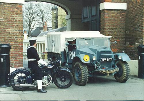"""Exemples de Vehicules de la Royal Navy à Chatham - UK """"Salute the 40s"""" Chatha10"""