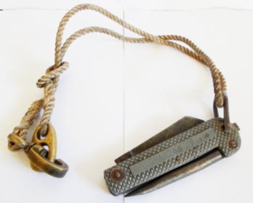Le couteau de marin sheffield  Coutea10