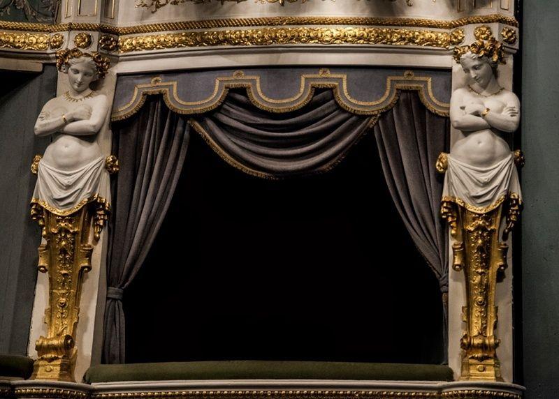 """""""Marie-Antoinette"""" au Théâtre Montansier Conten10"""