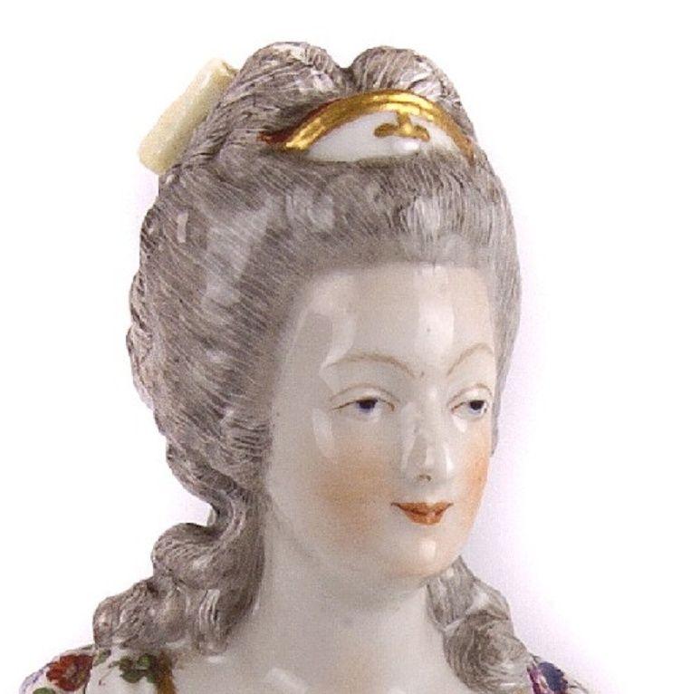 A vendre: bustes Marie Antoinette - Page 4 Zkaro11