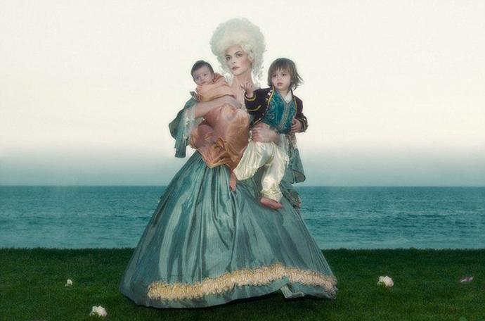 """Marie-Antoinette dans la série """"Decadence"""" Jaime-11"""