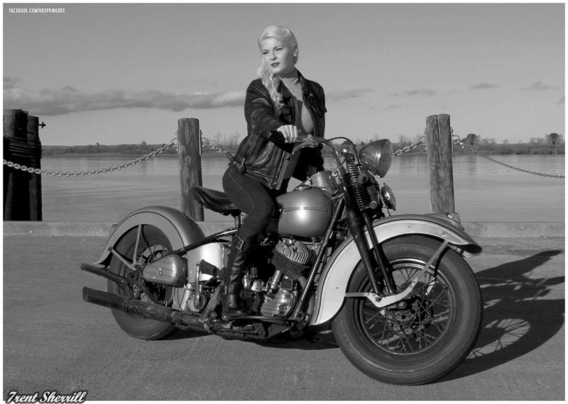 Vieilles photos (pour ceux qui aiment les anciennes photos de bikers ou autre......) - Page 4 Img_0410