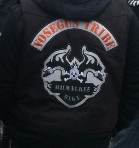 Couleurs des differents clubs de bikers - Page 2 Photo_13