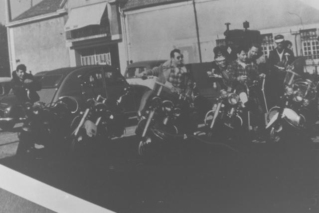 Vieilles photos (pour ceux qui aiment les anciennes photos de bikers ou autre......) Photos40