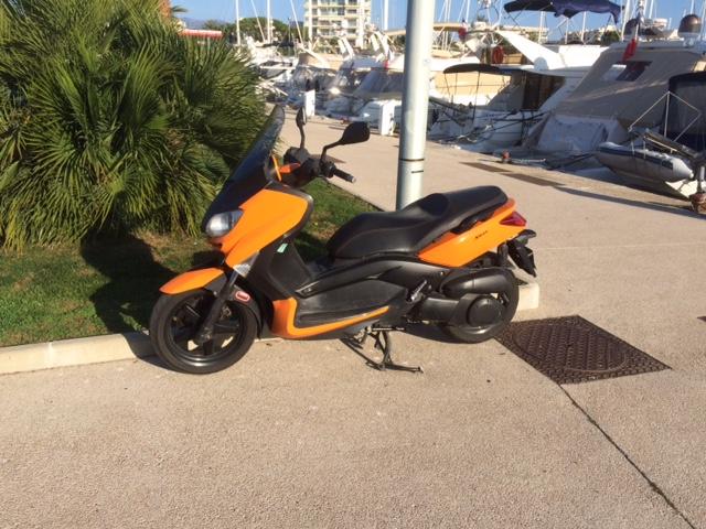 photos de xmax orange avec garde boue  de Tmax Img_0112