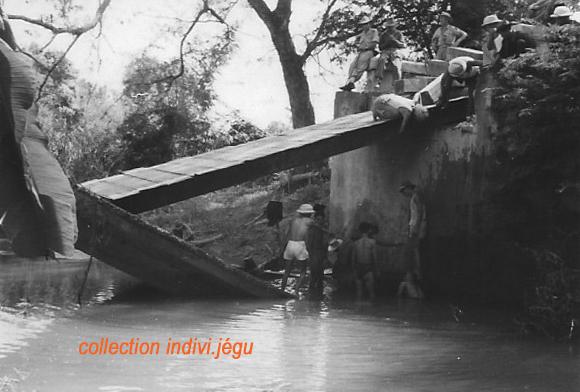 Pont coupé au Km 31 de la route entre Phan Thiet et Dalat 411