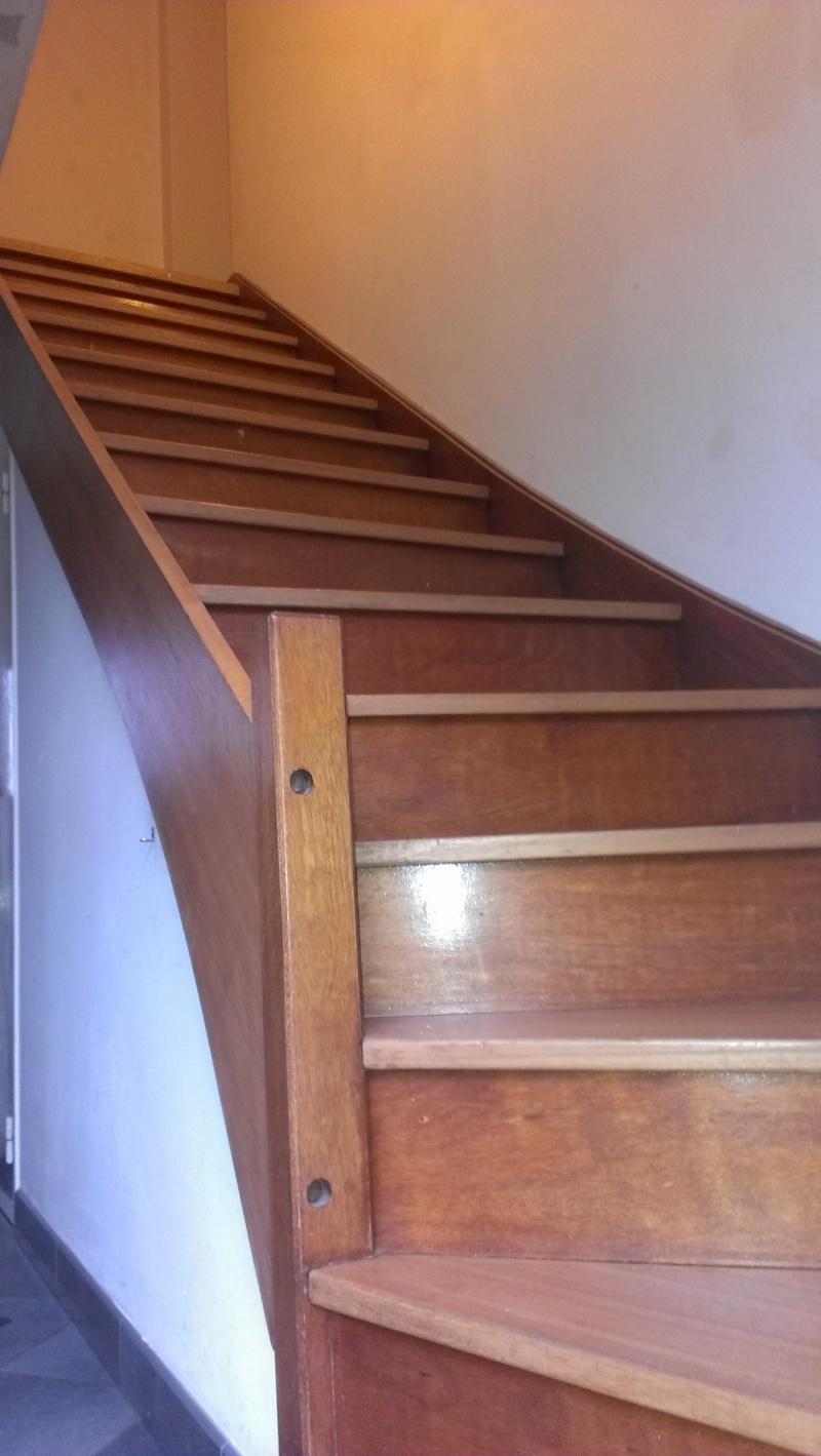 Entrée, escalier et couloir Imag1220
