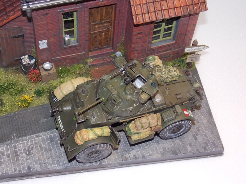 Staghound MK I  TAMIYA 1/35 - Page 6 Dscn3734