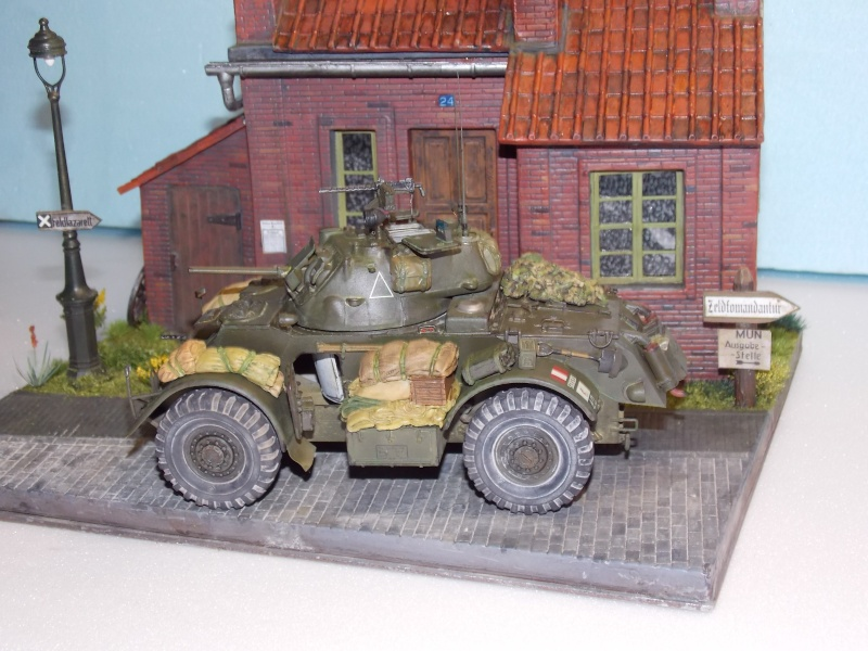 Staghound MK I  TAMIYA 1/35 - Page 6 Dscn3736