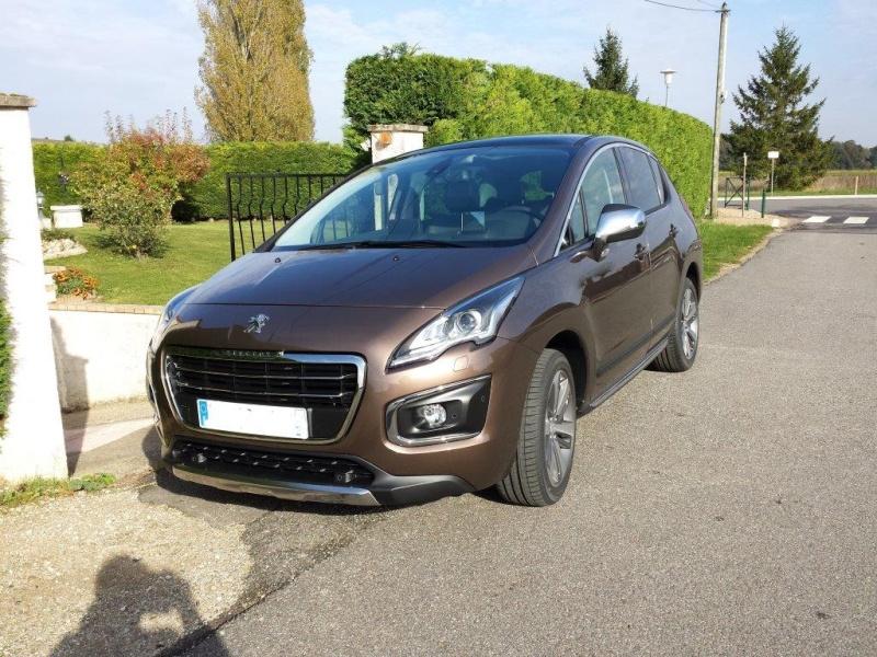 """Présentation et Photos de votre Voiture """"Peugeot"""" 3008-110"""