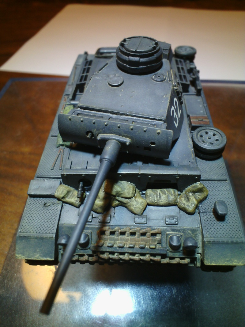 PANZER III AUSF L /Revell 1/72 (FINI) - Page 2 Img_2030