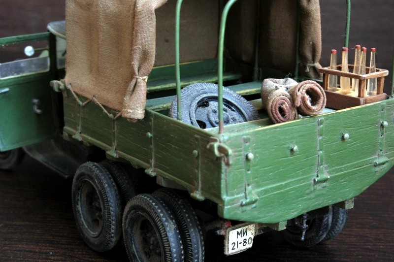 Camion Russe  GAZ-AAA 1934/1943 Zvezda 1/35 terminé!!! Sam_9414