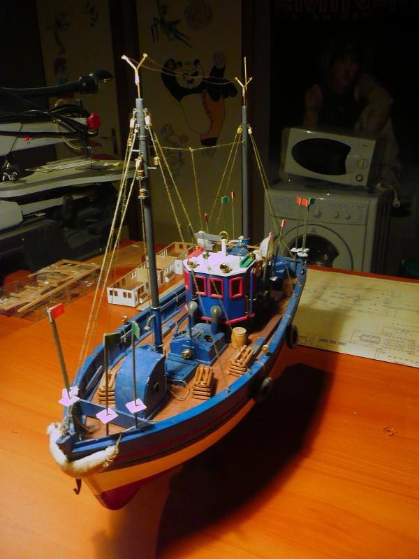 Chalutier caseyeur Gwen Mor (Kit 1/40°) de rico67 P1040911