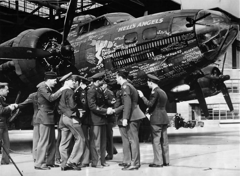 L'ESCADRILLE HELL'S ANGELS AVIATION - Page 2 Image75