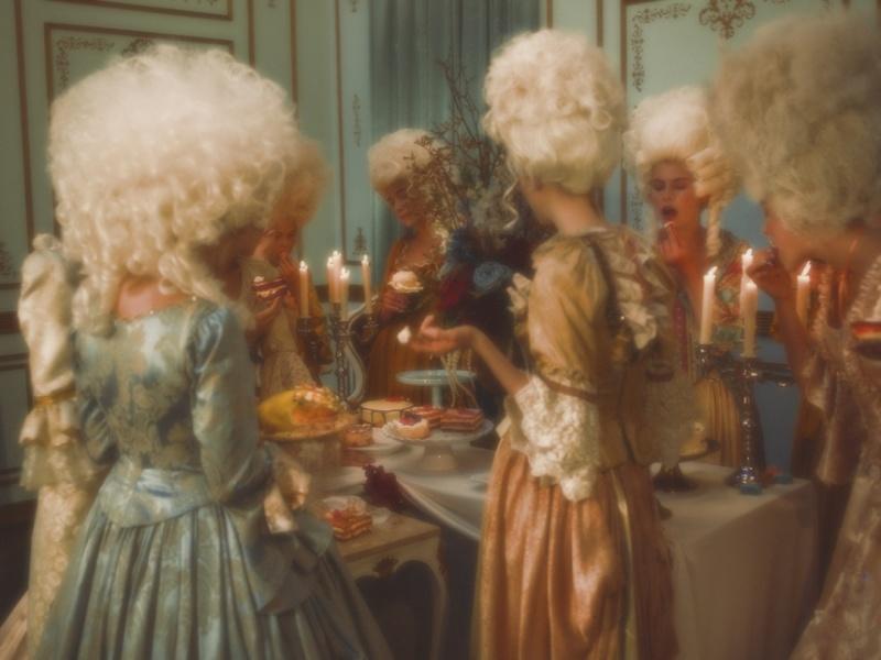 """Marie-Antoinette dans la série """"Decadence"""" 1a8db510"""