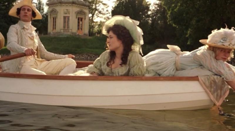 The Devil Wears A White Dress: Antoinette et la chemise  Marie-10