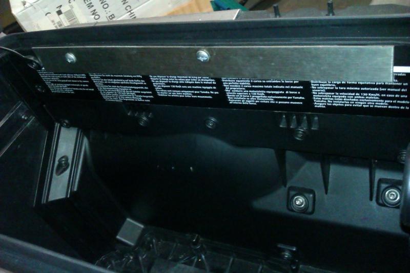 pièces détachées pour valises origine XTZ 1200 - Page 2 Imag0612