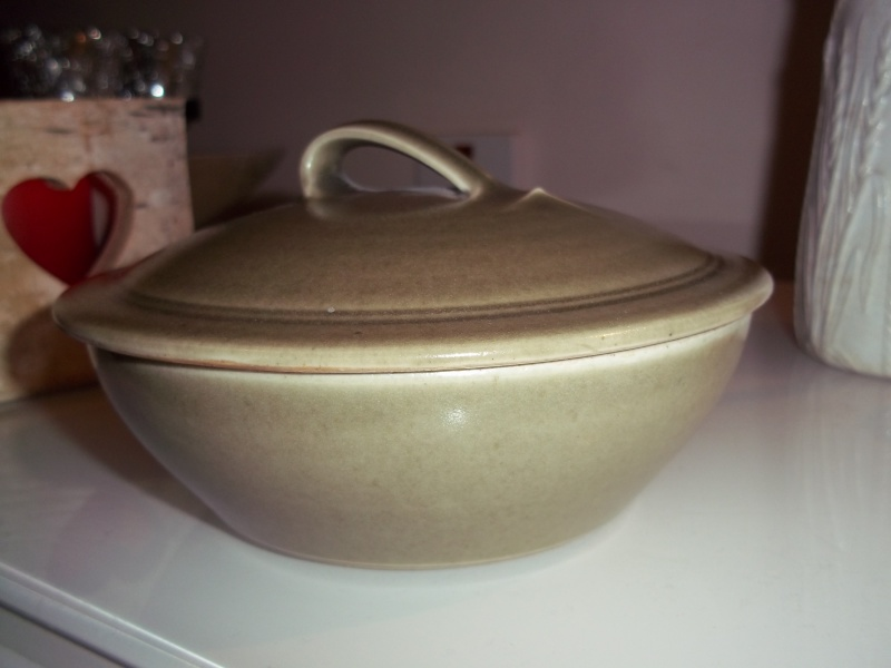 olive green lidded dish possibly 50's-60's 100_1528
