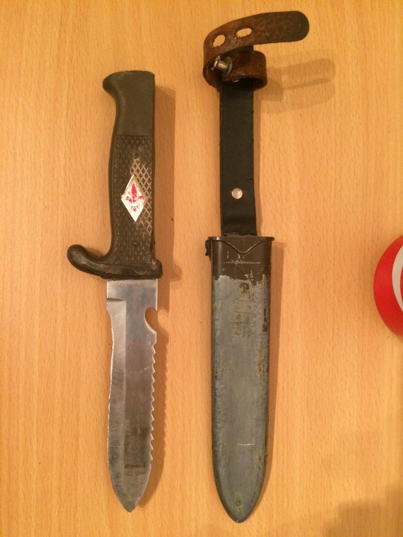 Un très vieux couteau .. 01011