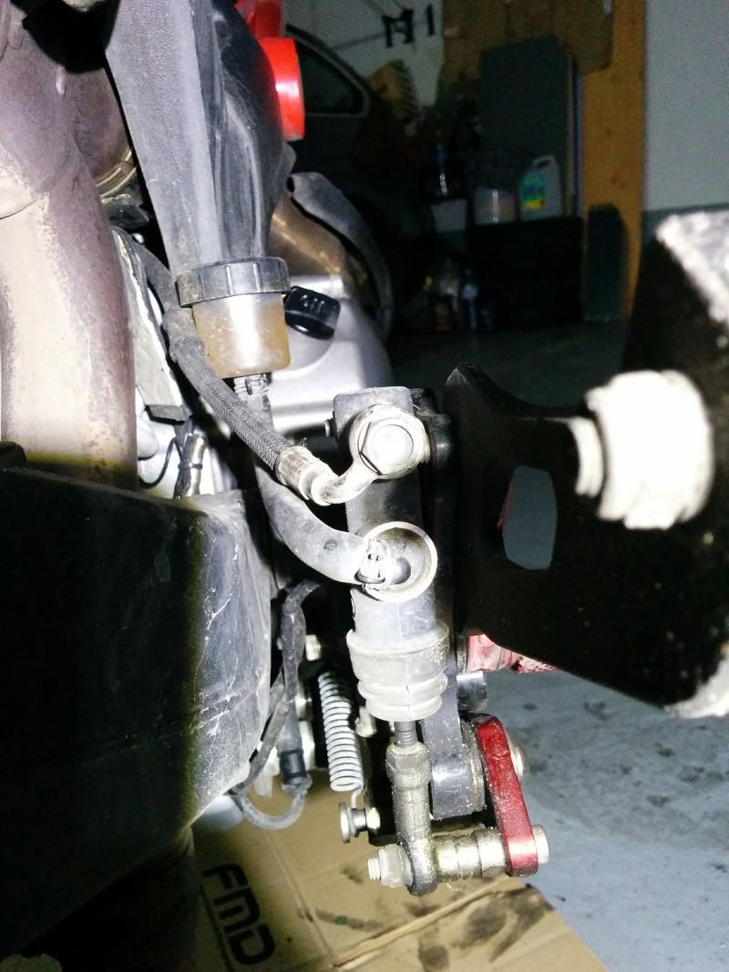 Toto: changer le maitre cylindre de frein AR Img_2014