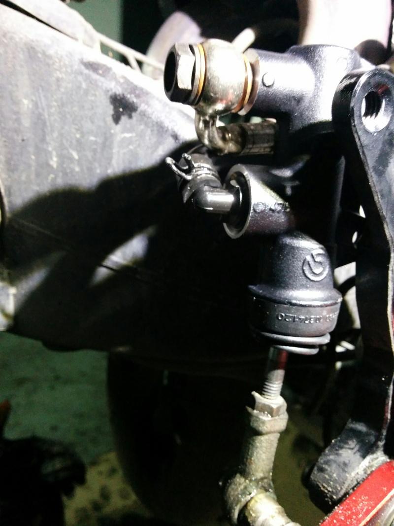 Toto: changer le maitre cylindre de frein AR Img_2017