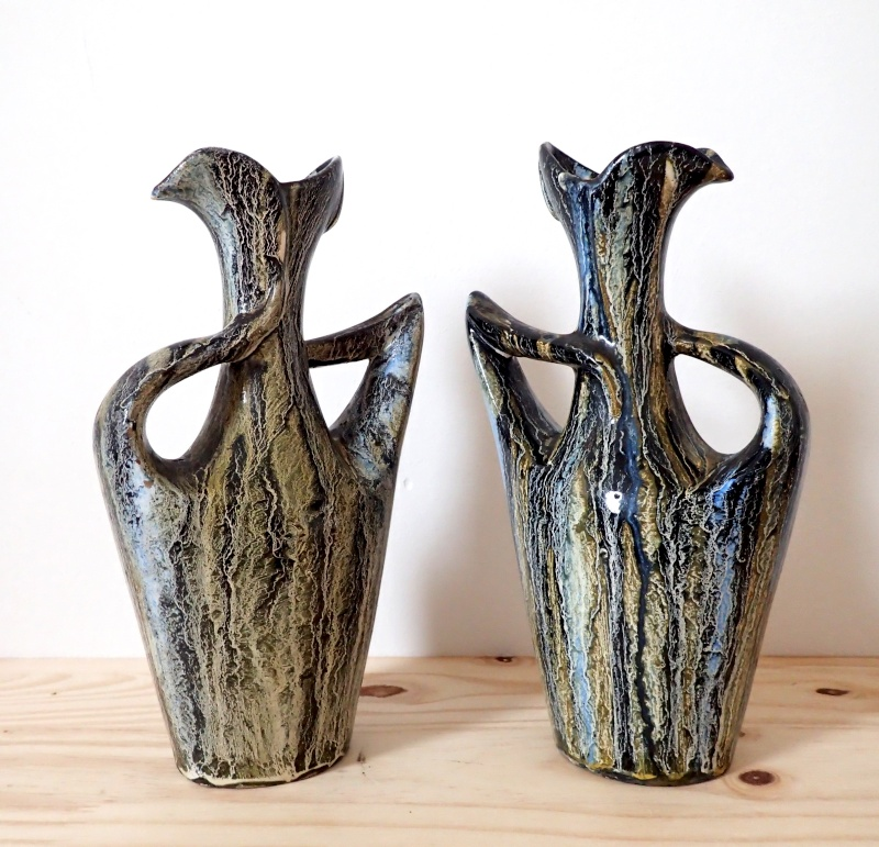 Couple of vases in black, green and blue. Pc070610