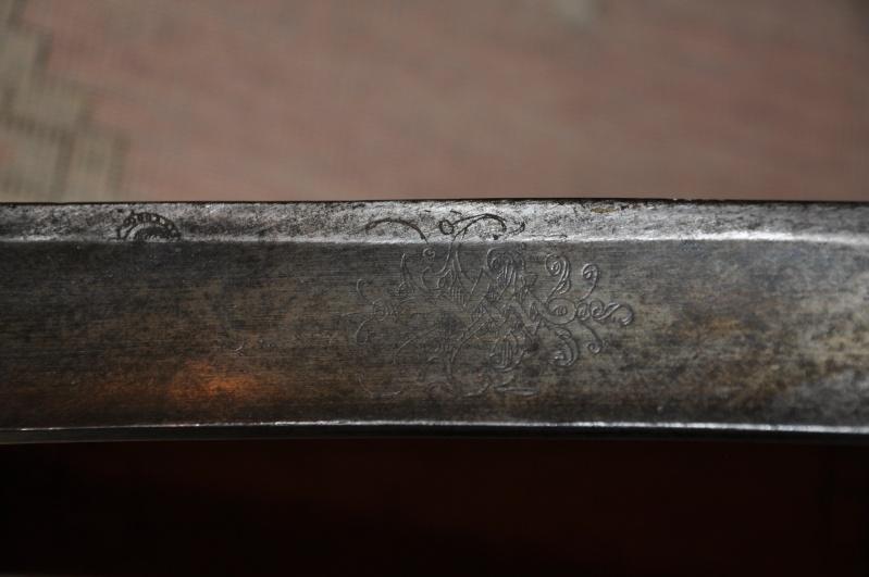 Identification ponçon sabre de grenadier Dsc_0215